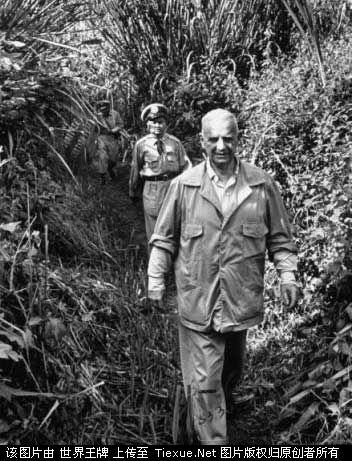 1953年11月:负责此次监督国军撤离的美国驻泰国大使威廉多诺万