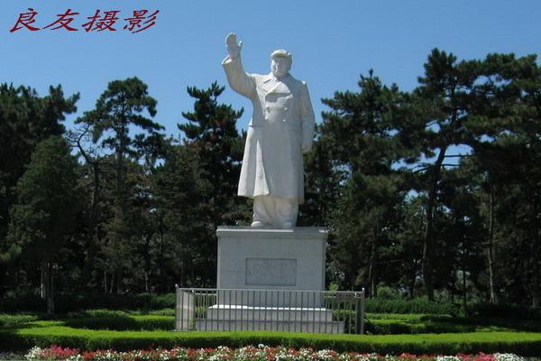 长春胜利公园毛主席塑像(2008)