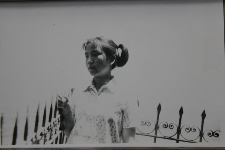 1977.05.01-西山龙门内古庙-IMG_8933