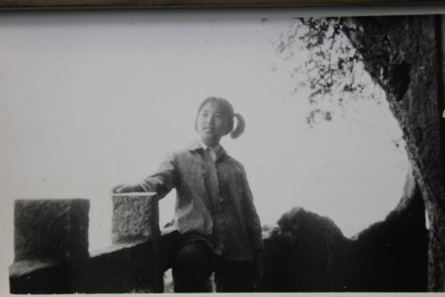 1977.05.01-西山龙门旁-IMG_8932