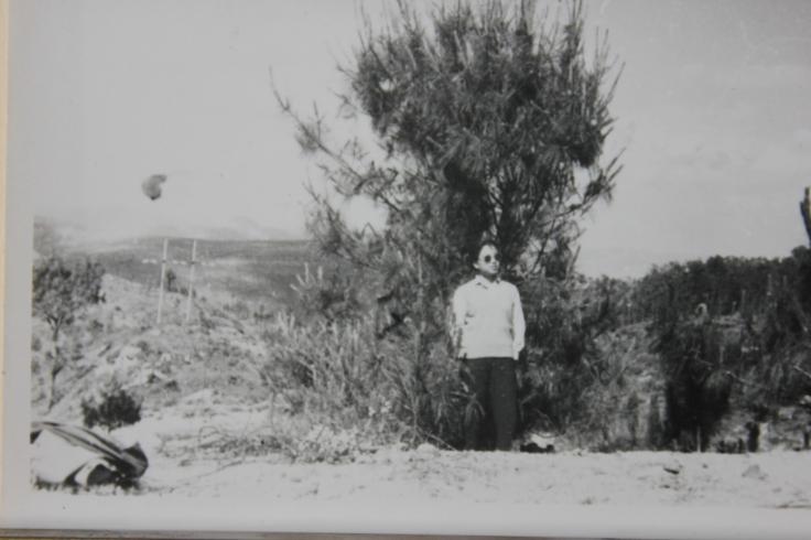 1977.05.02-进所前路边山上IMG_8915