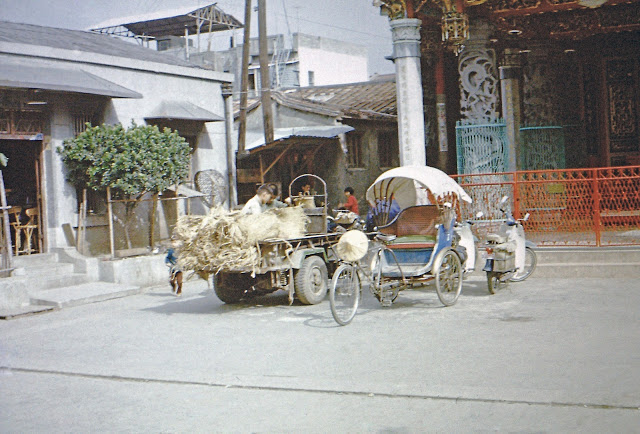 pict0289_tainan_pedicabtruck_1968-1