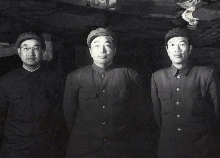 1954_deng_hua